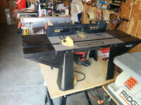 Craftsman router table with router