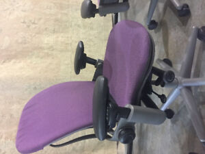 1 steelcase Office chair