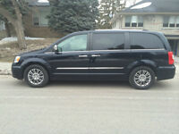 2011 Chrysler Town & Country Limited Minivan, Van