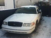 2000 Ford Crown Victoria no Other