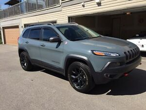 2014 Jeep Cherokee Trailhawk V6 - Loaded