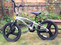 STUNT BICYCLE