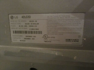 """LG 42"""" LCD TV + Speakers West Island Greater Montréal image 4"""