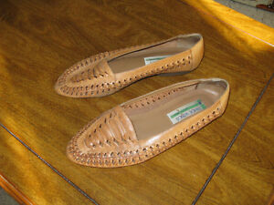 Sandals/Shoes/Runners/Aqua socks 2pr $15  3pr $20 Prince George British Columbia image 7