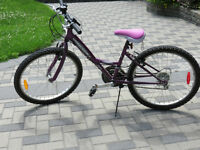 Girls' bike - 24 inch frame