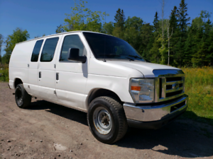 2008 Ford Econoline Cargo Van E-250