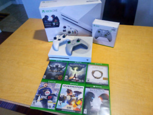 XBOX ONE S 500GB W/ 2 CONTROLLERS & 6 GAMES