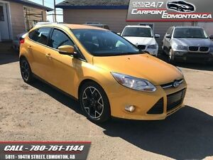 2012 Ford Focus SE BEAUTIFUL IN AND OUT !!!  Amazing colour comb