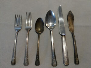 Oneida Community Made Tudor Silver Plate Set