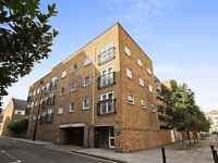 2 bedroom flat in Lamb Court, Isle of Dogs E14
