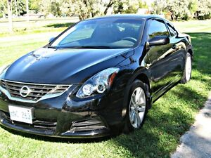 2011 Nissan Altima 2.5 S Coupe (2 door)