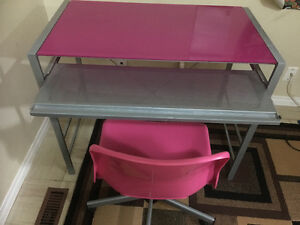 PINK COMPUTER DESK WITH CHAIR