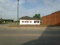 Commercial Building in Glencoe for lease
