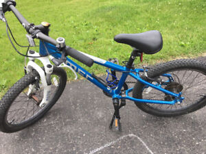 Why pay retail: Excellent condition MEC Dash bike 20inch wheels