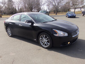 2010 NISSAN MAXIMA !! BLACK LEATHER !! SUNROOF !!