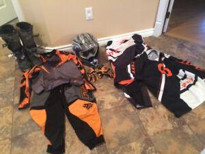 Vêtements de motocross 250$ négociable
