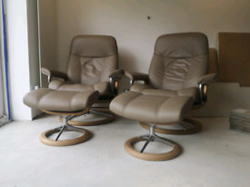 Ekornes stressless leather recliner chair