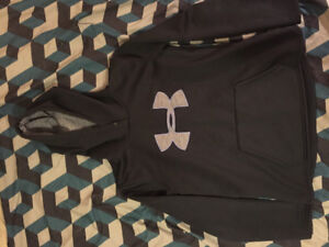 Under armour hoodie (used once)