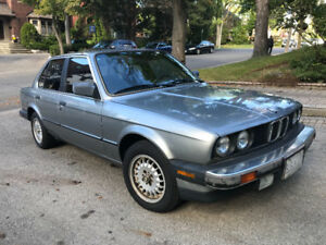 BMW 1987 325i Sedan with only 84,000 KM - a classic!