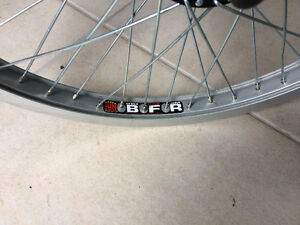 Bmx wheel and tire