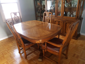 VINTAGE SKLAR PEPPLER DINING SET