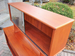 mId century modern buffet and hutch, Teak buffet and hutch London Ontario image 4