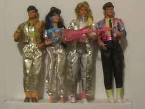 BEAUTIFUL ASSORTMENT OF OLDER BARBIE DOLLS NO BOXES 300.00 ALL
