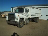 Ford 8000 Automatic Diesel Grain Truck