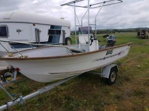 4.7m centre console boat