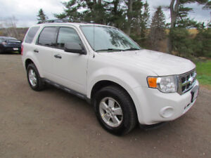 2010 Ford Escape 4WD 4dr SUV ~ New MVI! ~ WINTER READY!