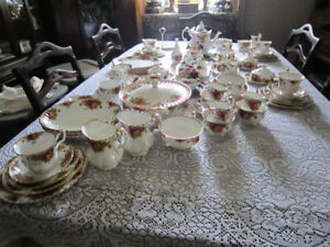 "Royal Albert ""OLD COUNTRY ROSES"" Fine Bone China For Sale"