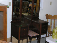 ANTIQUES, COLLECTABLES AND STUFF