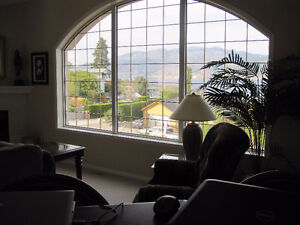 Immaculate Furnished Lakeview Home in Summerland/Penticton area