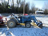 Tractor -Ford 4x4 28HP with snow blower!!