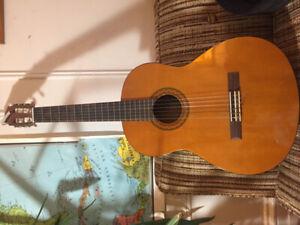 Guitare acoustique Yamaha C40 acoustic guitar + case/étui