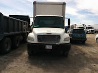 freightliner 26' straight truck (emission and safety included)