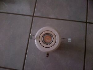 6 ceiling lights with led bulbs Kitchener / Waterloo Kitchener Area image 1