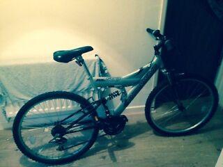 Mountain suspension bike £60