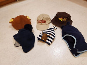 Children's toques and hats size 12-24m  - 6 items