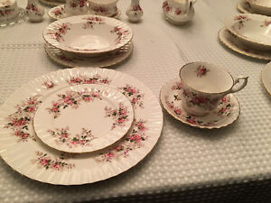 Royal Albert Bone China - Lavender Rose