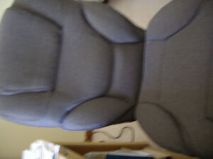 Excellent condition office/computer chair for sale with lot of a