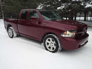 Ram 1500 impecable