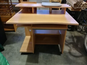 Computer PC work desk in a very good condition in Summerland