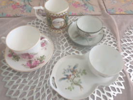 4 quirky cup sets