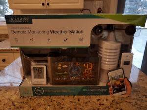 WEATHER STATION BNIB SEALED AND NEVER OPENED!!!