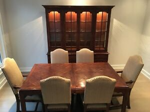 Ridpath's - Dining table with 8 chairs