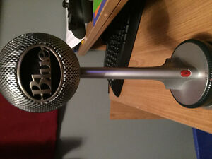 Blue Nessie Microphone - Mint Condition Good Quality