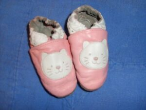 Robeez Pink Kitty Cat Slippers Size 12 -18 mnths