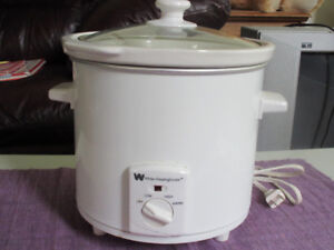 White Westinghouse Crock - Great condition