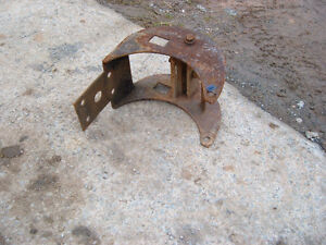 trailer hitch for a farm tractor